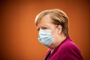 La canciller alemana Angela Merkel contempla nuevas restricciones para frenar la propagación del coronavirus