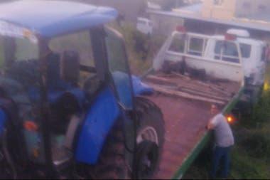 Uno de los tractores recuperados