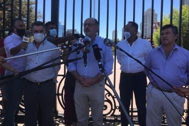 Carlos Achetoni (FAA), Jorge Chemes (CRA) y Daniel Pelegrina (SRA), las tres entidades de la Mesa de Enlace que hicieron el último paro tras el cepo al maíz