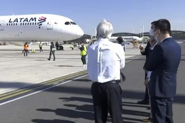 Chile recibió casi dos millones de vacunas Sinovac en un vuelo de LATAM, aunque fue subcontratado