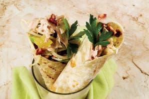 Tacos de pollo y vegetales para compartir con amigos