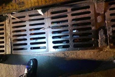 La alcantarilla donde estaba el arma que habría utilizado Pity Álvarez