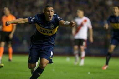 Pavón grita su gol a River en mayo de 2015. Fue el último triunfo xeneize en la Bombonera