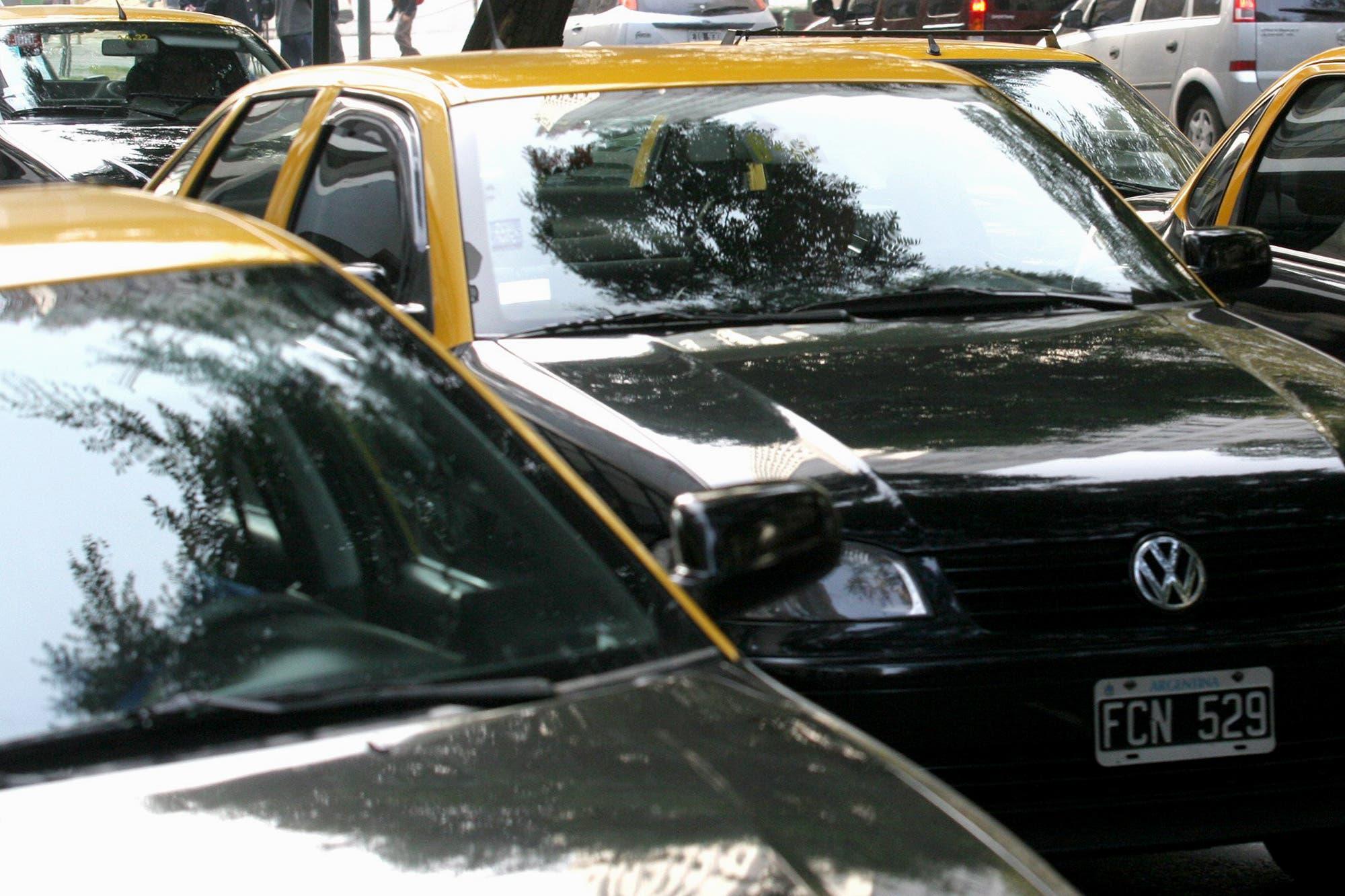 Aeroparque: un taxi atropelló y mató a una niña de 12 años y su abuelo está grave