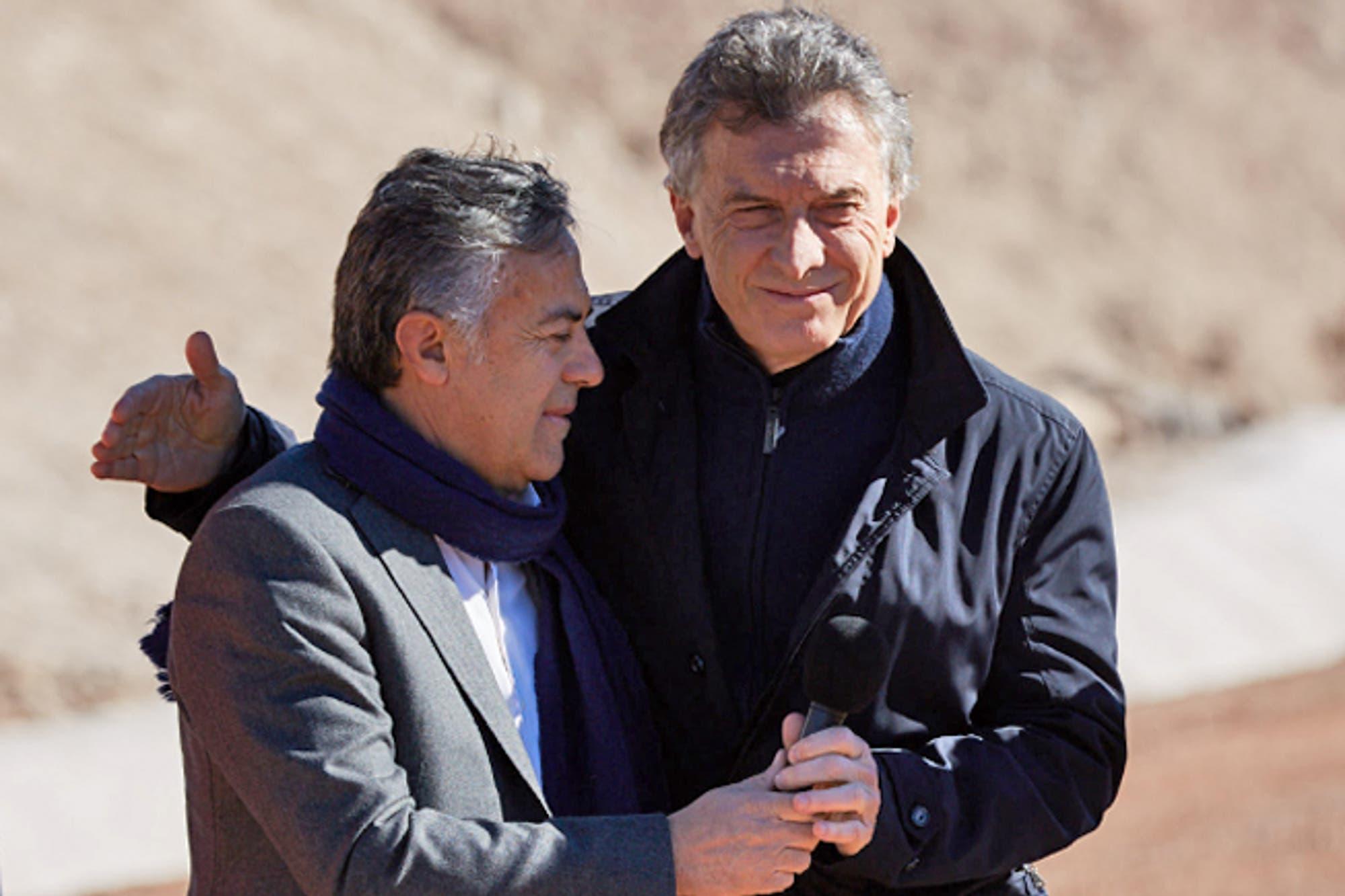 Después del exabrupto, Cornejo visitó a Peña para organizar la marcha del #Sísepuede