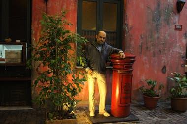 Fontanarrosa recibe en el bar El Cairo, de Rosario