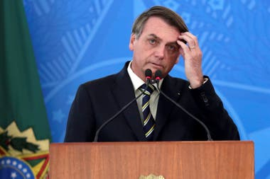 Bolsonaro se enfrenta a una crisis por el avance del coronavirus en Brasil