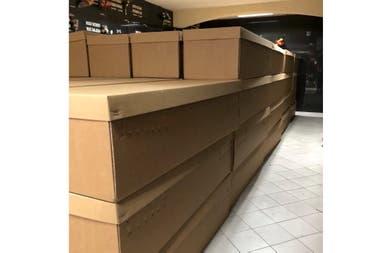 Cuerpos depositados en cajas de cartón, en Guayaquil