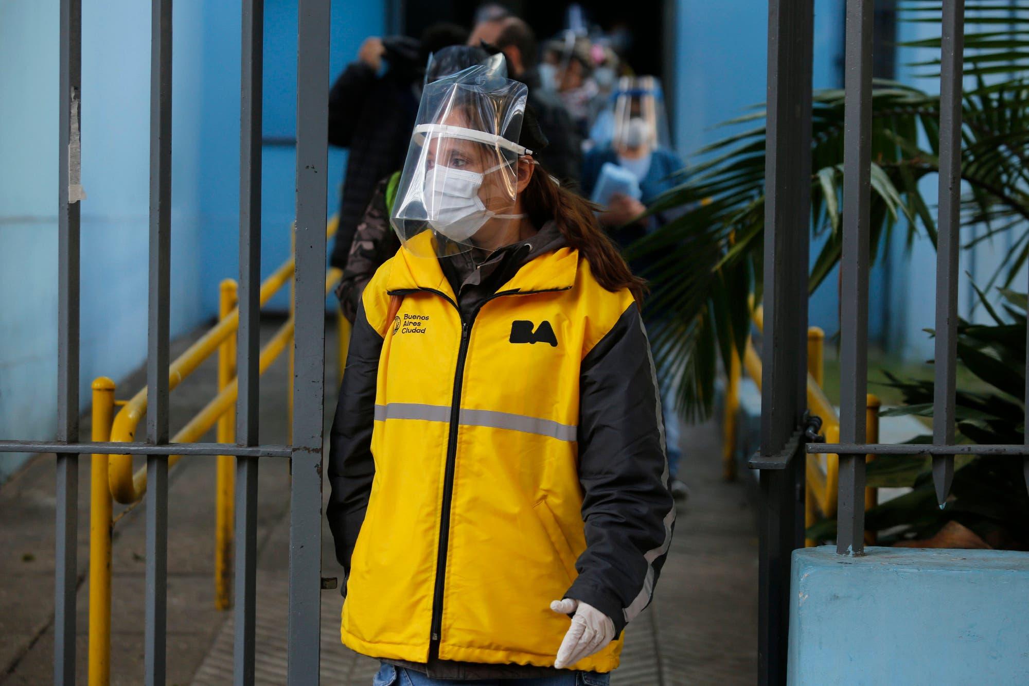 Coronavirus en la Argentina: se supera la barrera de los 1500 casos diarios y el total llega a 30.295