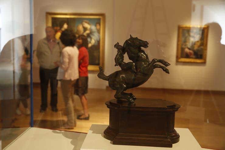Guerrero a caballo, escultura atribuida a Da Vinci, es la estrella de la muestra