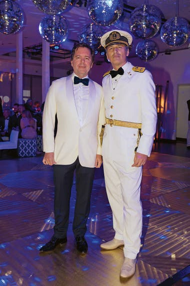 El anfitrión y Leopoldo Montes, su gran compañero de vida.
