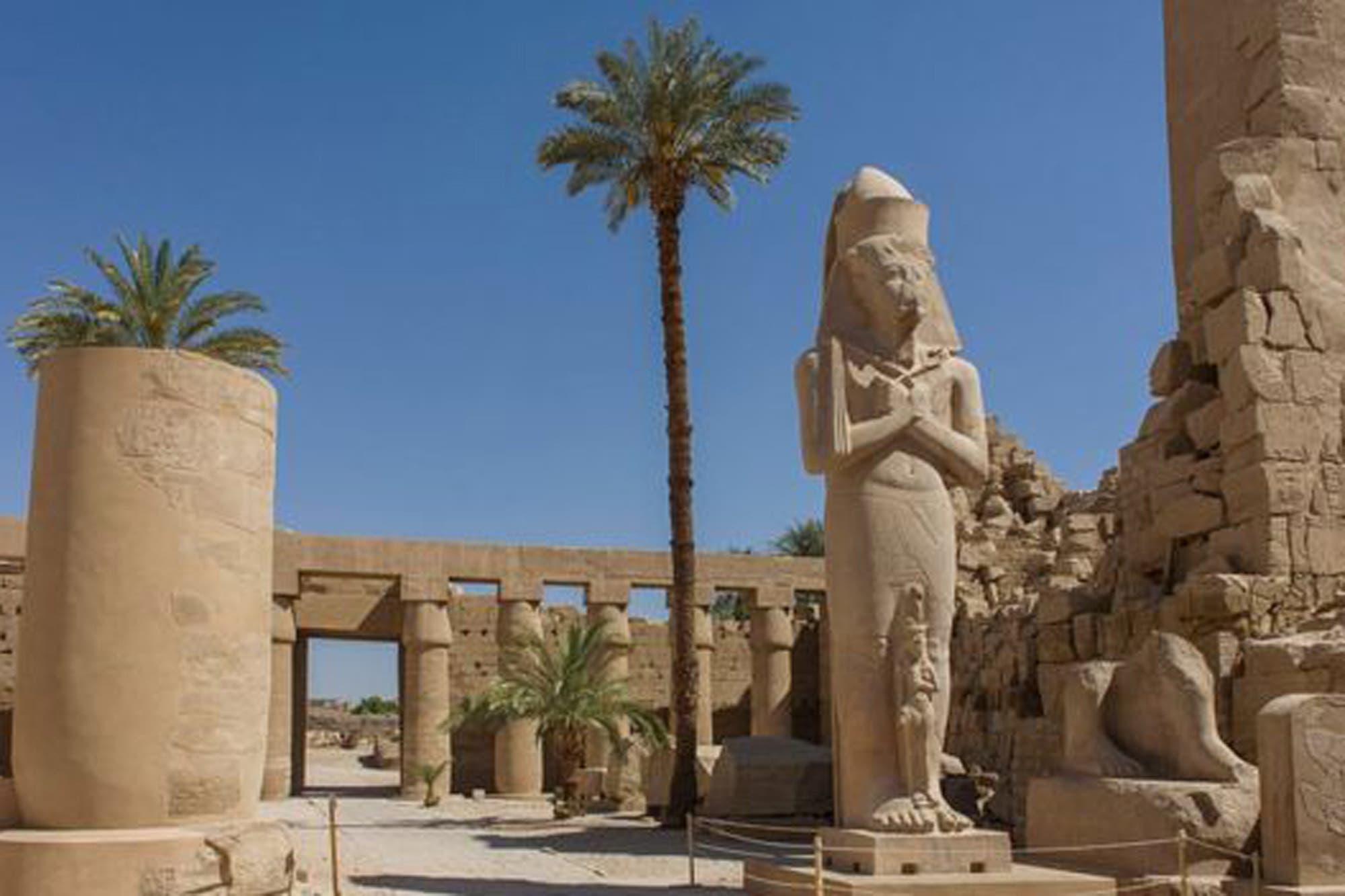 """La subasta en Londres de un busto de Tutankamón """"robado"""" de 3.000 años de antigüedad que enfurece a Egipto"""