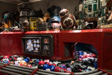 Recuerdos galácticos para llevarse a casa en Star Wars: Galaxy's Edge, la nueva área de Disney, en Orlando