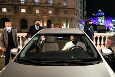 El presidente Alberto Fernández se retira de la Casa Rosada luego del anuncio de la reforma judicial