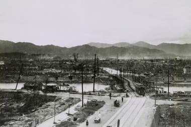 """Unos 136.700 supervivientes de Hiroshima y Nagasaki, conocidos como """"hibakusha"""" en Japón, todavía viven, pero tienen en promedio más de 83 años"""