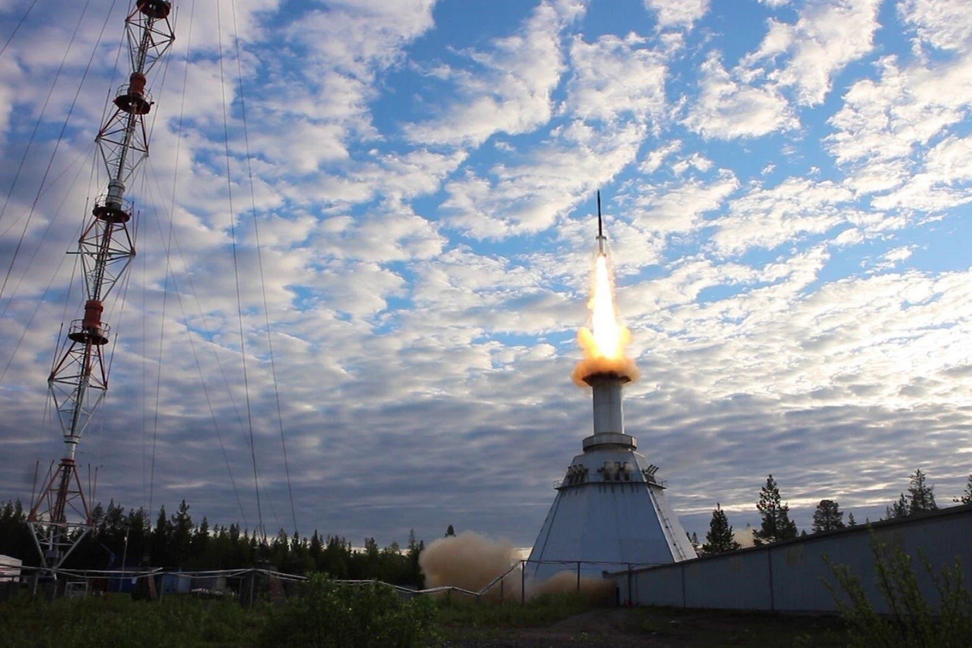 Paneles más eficientes: crean nuevas células solares diez veces más potentes para satélites