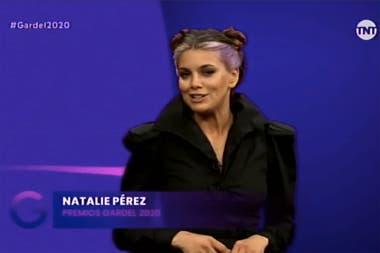 Natalie Pérez condujo los premios con Ale Sergi y también participó de uno de los shows, el homenaje a Sandro