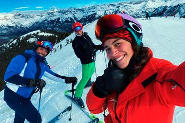 Junto a sus dos hijos, Chayanne disfruta de la nieve en Colorado a menos de 15 días de comenzado 2021