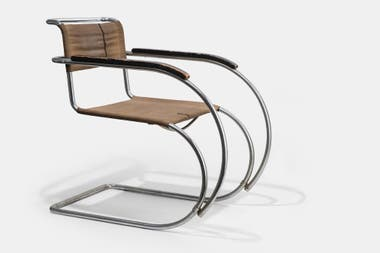 Ergonométrica y aerodinámica, la silla MR 534 representa a la Bauhaus