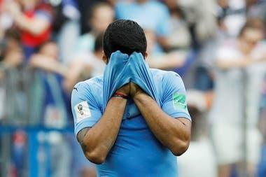 Postal de una eliminación: el lamento de Luis Suárez tras el final