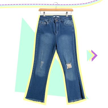 Incluso en invierno, los jeans que dejan ver un poco de tobillos son súper sentadores