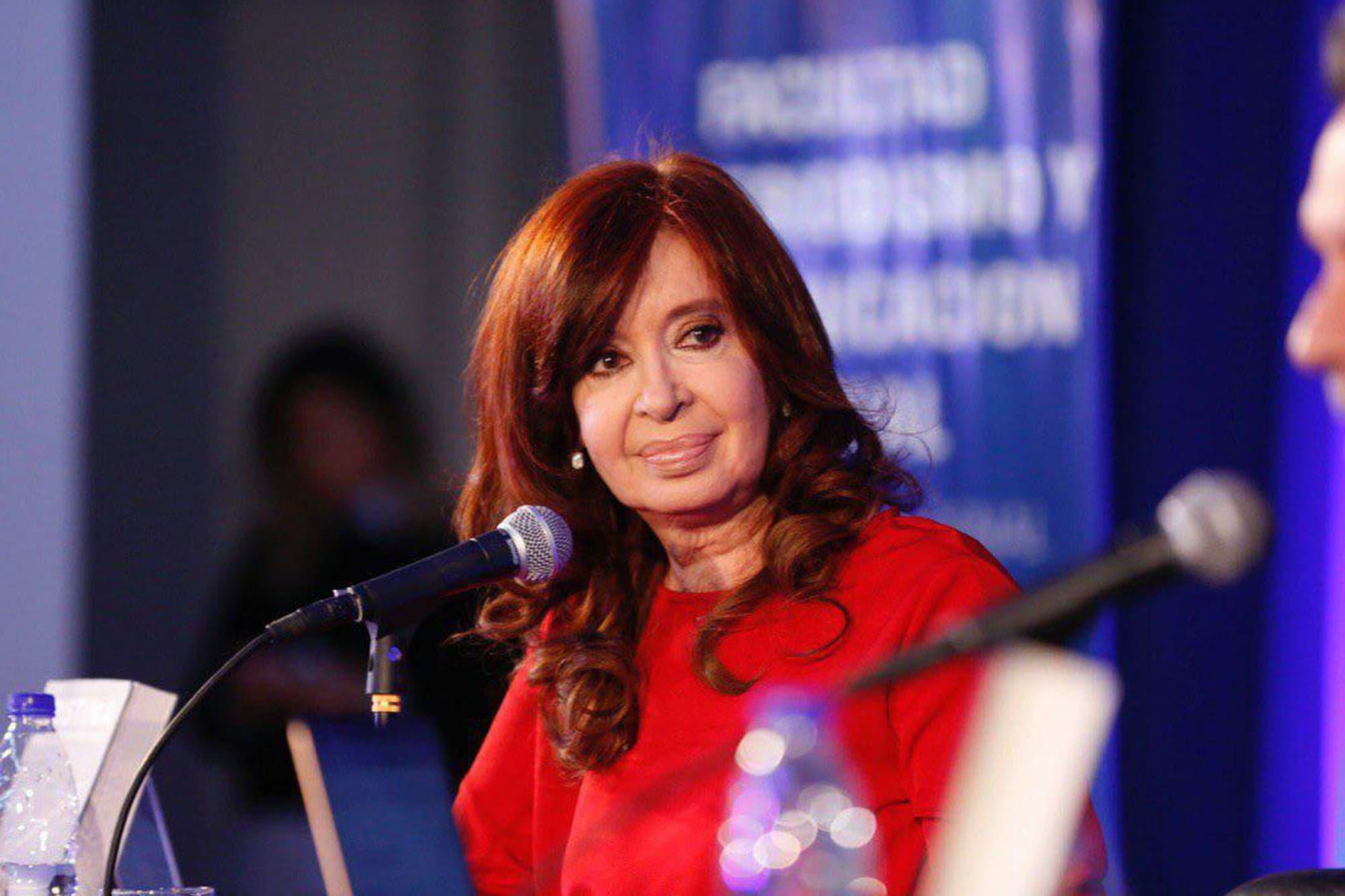 """Cristina Kirchner dijo que Mauricio Macri es un """"mal ser humano"""" por """"dejar subir el dólar"""""""