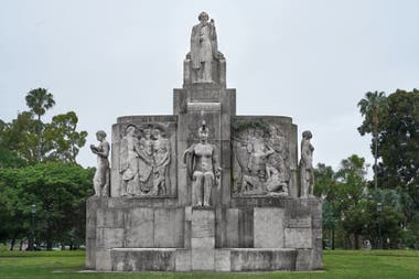 Monumento a Nicolas Avellaneda, en el parque Tres de Febrero