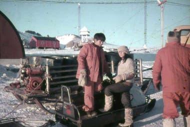 Ignacio y María Carro, durante el año que pasaron en la Antártida