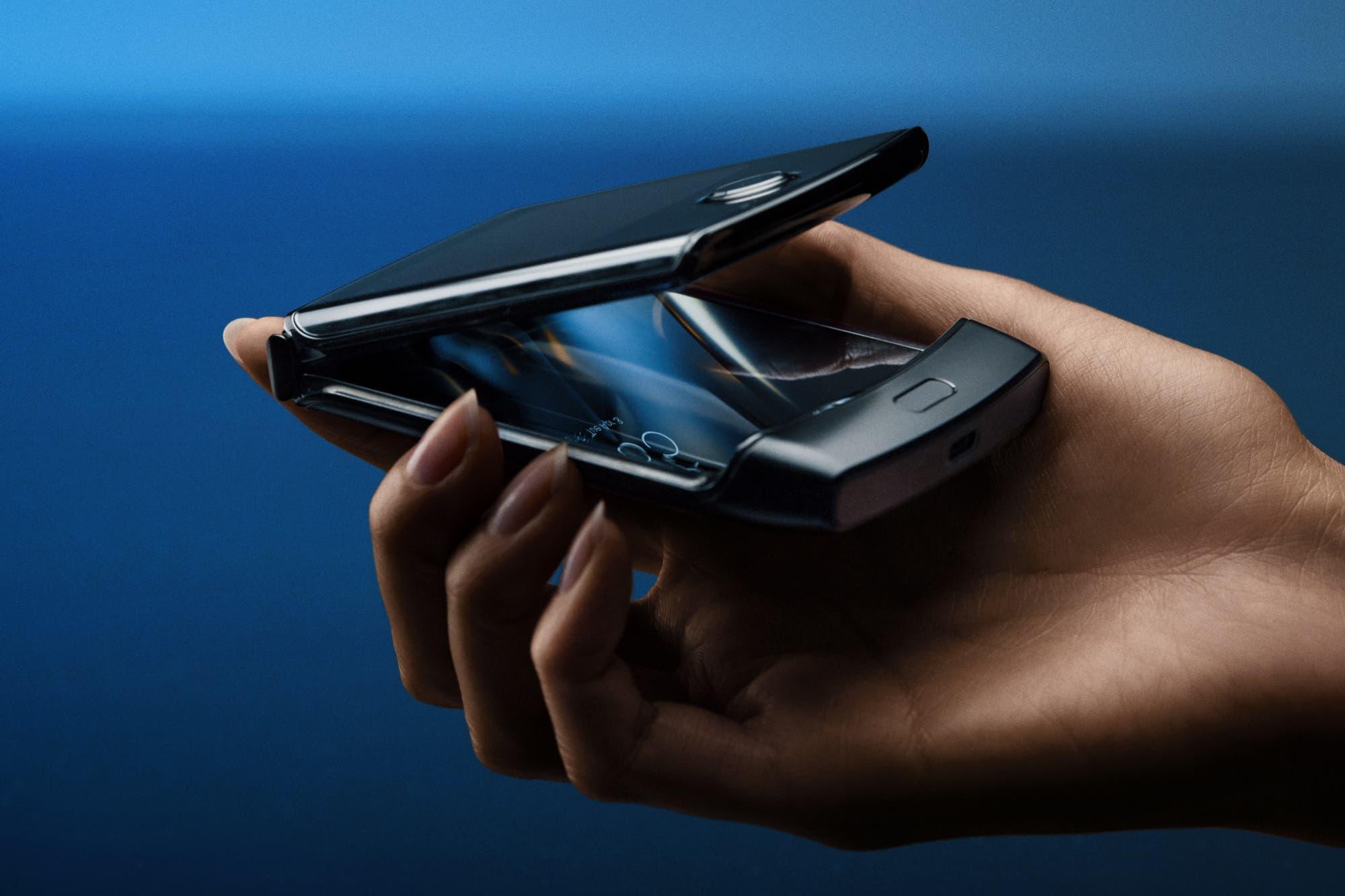 Con cuidados especiales: Motorola advierte cómo utilizar la pantalla plegable del nuevo Moto Razr