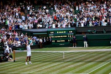 Tras 4h48m de batalla, Nadal ya puede celebrar ante Del Potro: fue por los cuartos de final de Wimbledon 2018.