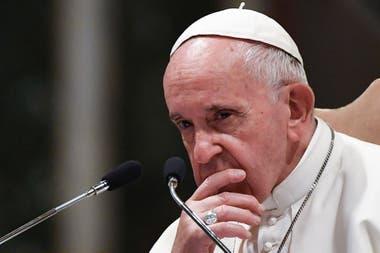 """Desde el entorno del Papa, minimizan el ataque y aseguran que no está nada preocupado con la salida de estos dos nuevos libros: """"él con todo esto se divierte"""""""