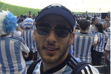 Eduardo Salvio ya fue protagonista de un Mundial, de Rusia 2018..., pero cuatro años antes también estuvo en Brasil, pero en ese caso como hincha: Argentina 1 vs. Irán 0, en Belo Horizonte..., gol de un tal Messi