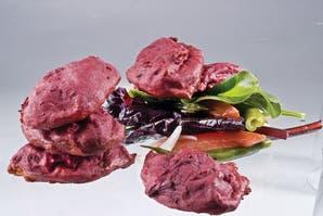 Buñuelitos de remolacha y coliflor