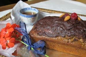 Pan de nuez con baño de chocolate