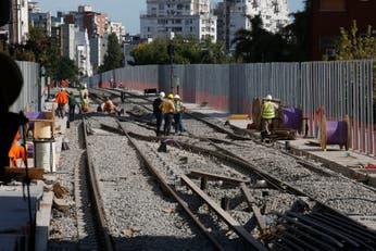 Viaducto del tren Mitre: reabrieron la calle Juramento sin barreras