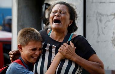 La desesperación y el dolor se reparten hoy Carabobo, a dos horas de la Caracas