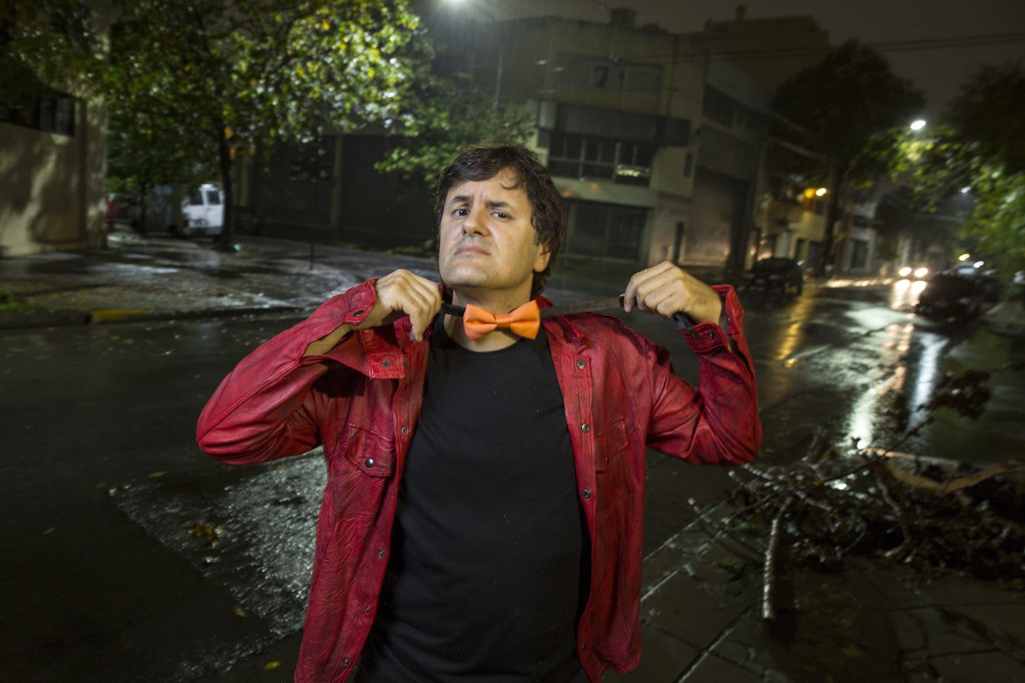 Andrés Ciro sorprendió a los alumnos de su escuela primaria con un mini-show