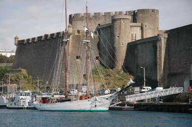 El puerto y el castillo de Brest, en la Bretaña francesa.
