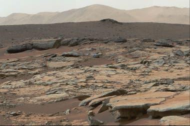 Una imagen de la superficie de Marte tomada por el robot Curiosity