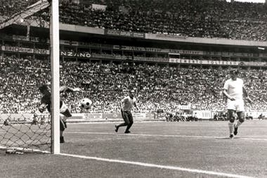 La gran atajada de Banks a Pelé en México 70, el mundial en que Brasil fue campeón