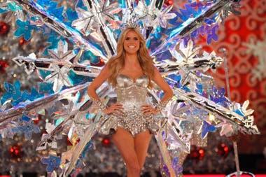 Heidi Klum, una de las supermodelos que participan de los desfiles de Victorias Secret