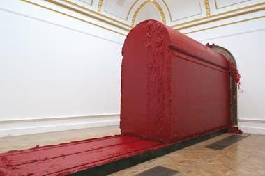 """Una de las obras que se verán en Proa: Svayambhu (""""Autogenerado""""), una masa de cera roja que se mueve por el espacio"""