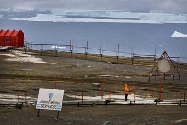 El aislamiento es un sentimiento que une a los antárticos