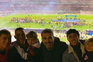 Visita al Monumental con Ramiro y sus hijos varones, para ver la Recopa que River le ganó al Paranaense (2019)