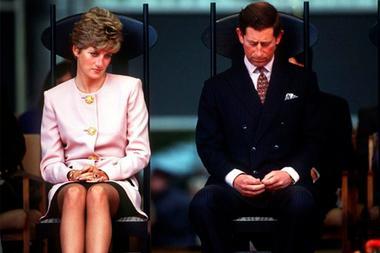 Ladi Di y el príncipe Carlos se divorciaron en 1996