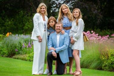 Los integrantes de la familia real holandesa pasarán la Navidad en Países Bajos y no en la Argentina como solían hacerlo