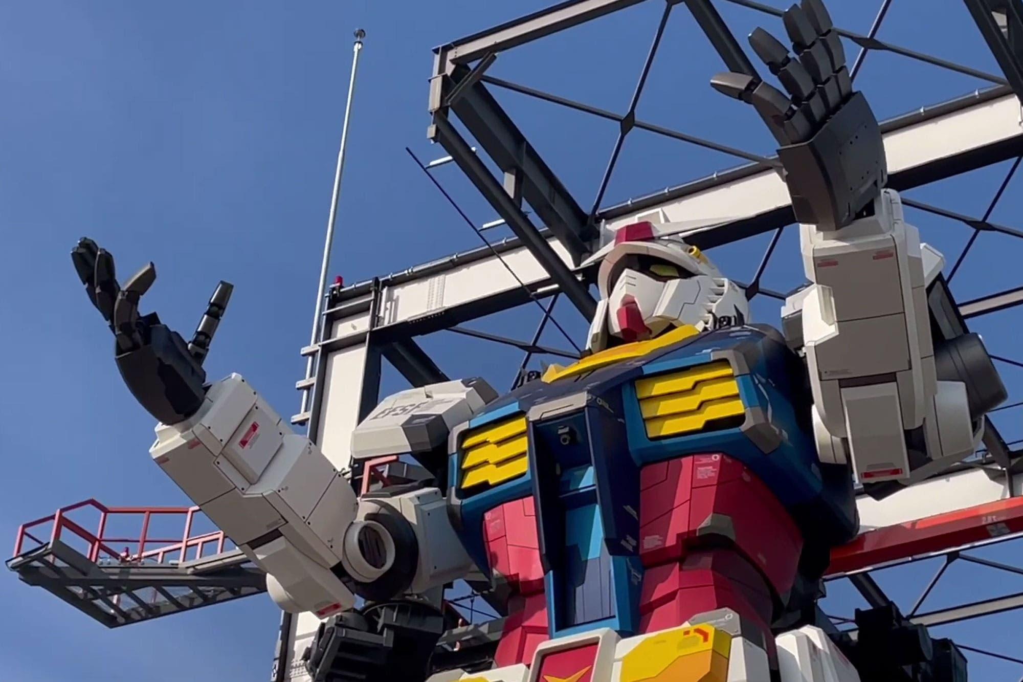 Con 18 metros: así es el enorme robot Gundam que camina y mueve los brazos en Japón