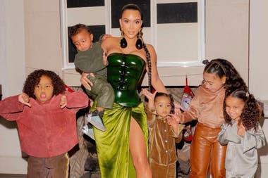 Kim Kardashian pasó las Fiestas con sus hijos y separada de Kanye West