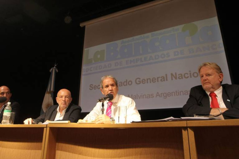 Bancos: una protesta puede afectar la atención en el Santander y el BBVA