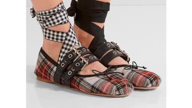 Pares desparejos: está de moda usar un zapato diferente en